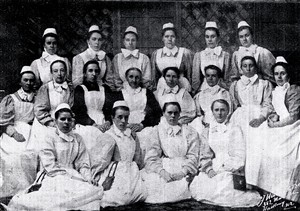 Photo:Nursing staff at Ivy House Maternity Hospital, 1898.