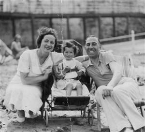 Photo:My mother Ruth Sylvester and her parents, Eva and David, c.1935