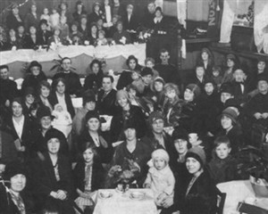 "Photo:Women meet at the home league - a ""cheerful afternoon weekly gathering"" - in 1931"